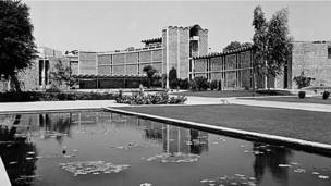 मॉडर्निस्ट दिल्ली:मदन महट्टा की तस्वीरें