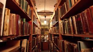 Редкие книги в библиотеке Херсонеса. Фото: aquatek_filips