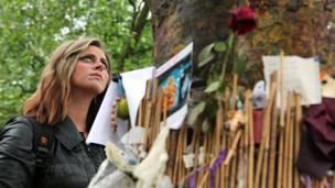 Memorial de Amy Winehouse (fotos: Rafael Estefanía / BBC)