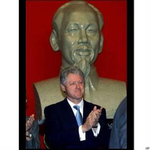 Tổng thống Bill Clinton trong chuyến thăm Việt Nam hồi năm 2000