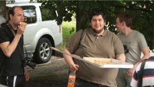 Сторонник Навального с пиццей