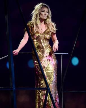 Các siêu mẫu thế giới như Kate Moss cũng xuất hiện