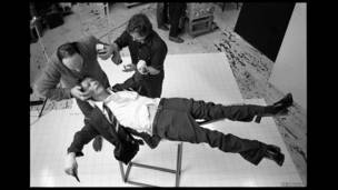 Tras bambalinas durante The Lodger  (Foto: Brian Duffy/The Duffy Archive)