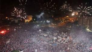 Площадь Тахрир к вечеру в среду была заполнена толпами противников президента