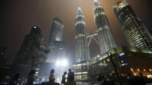 Menara Petronas di Kuala Lumpur, Reuters