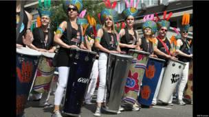 Барабанщики на карнавале