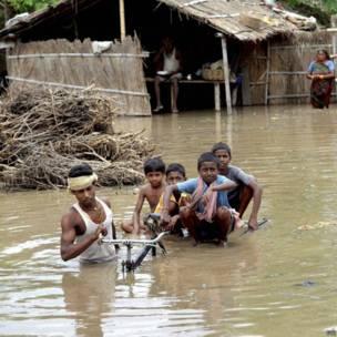 भारत के विभिन्न स्थानों पर बाढ़