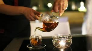 दुबई में सोने की चाय