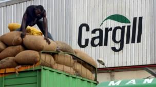 Une livraison de sacs de fèves de cacao au port de San Pedro (Côte d'Ivoire) pour l'exportation. 29 septembre 2013. Photo Reuters