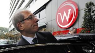 Руководитель Организации по запрещению химического оружия Ахмет Узюмджю