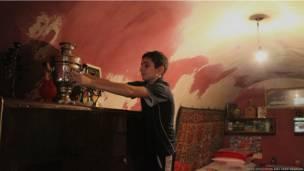 Гор в комнате Клары