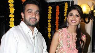 शिल्पा शेट्टी अपने पति राज कुंद्रा के साथ