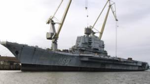 बंदरगाह पर एडमिरल गोर्श्कोव