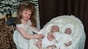 Четвертая международная выставка кукол в московском Гостином дворе