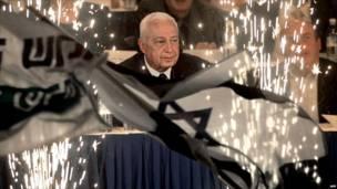 Ариэль Шарон открывает избирательную кампанию партии Ликуд. Фото: Франс пресс.