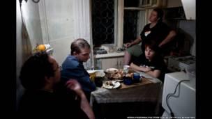 Михаил Тумасов, Константин Голава на кухне у Веры и Оксаны в Самаре