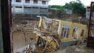 Rumah hancur