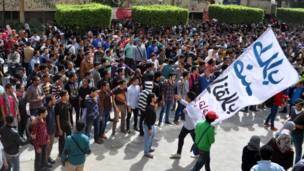 طلاب ينظمون تظاهرات في جامعات مصرية