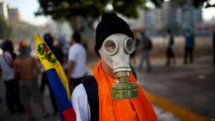 Manifestante antigubernamental en Caracas (Foto AP/Rodrigo Abd)