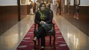 हमीदा अहमदज़ई, अफ़ग़ानिस्तान की महिला सांसद