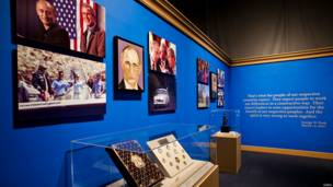 जॉर्ज बुश की पेंटिंग