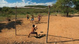 Serra Vermelha, Piauí'deki bir sahada forvet şut çekmiş.