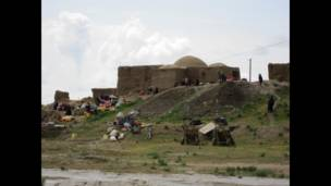 بلند انچائی پر گھر اور نیچلے علاقوں میں سیلاب