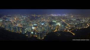Panorámica de la península de Kowloon vista desde Lion Rock, su montaña más alta