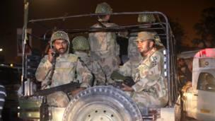 पाकिस्तान सेना, कराची हवाई अड्डा