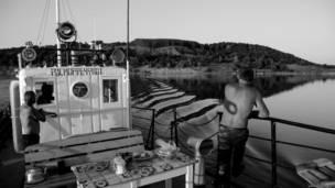 Бакенщики на борту судна
