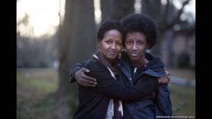 Naima e seu filho. Evelyn Hockstein/ Acnur
