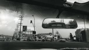 """Double Standard"", 1961. Dennis Hopper / Cortesía de Hopper Art Trust."