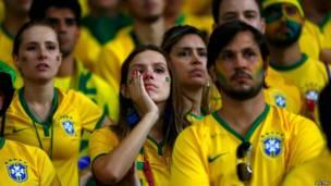 رد فعل الجمهور البرازيلي بملعب  بملعب مينيراو بمدينة بيلو هوريزونتي البرازيلية في 8 يوليو/تموز 2014 - رويترز