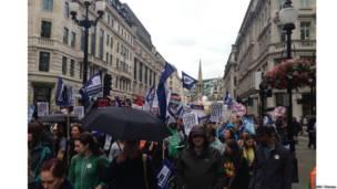 倫敦攝政街,抗議者開始從這裏走向特拉法加廣場,表達他們對政府政策的不滿
