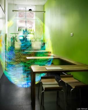 Estudante fotografou as formas e cores das redes sem fio que nos rodeiam diariamente
