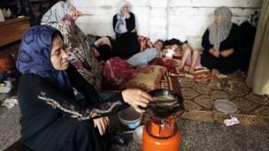 Memasak di tempat pengungsian Jabalia
