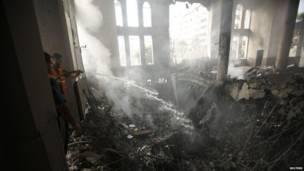 Ataques israelenses deixaram pelo menos 60 mortos apenas durante madrugada