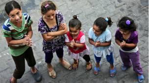 ग़ज़ा, संयुक्त राष्ट्र का स्कूल, शरणार्थी बच्चे, खेल खेलते हुए,