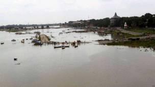 गंगा, बाढ़ का पानी