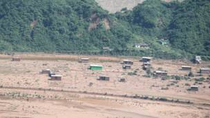 जम्मू में तवी नदी में आई बाढ़ के बाद वहाँ मची तबाही का मंज़र.