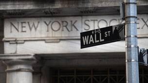 Nueve consejeros delegados de empresas de Wall Street ganan más de 800 veces lo que su empleado promedio.