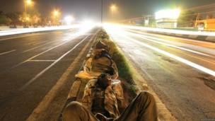 दिल्ली, रात, सड़क, मज़दूर, बेघर