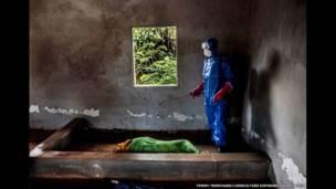'इबोला इन सियरा लियोन एंड लाइबेरिया'