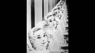 Audrey Hepburn do Erwin Blumenfeld chụp, 1952