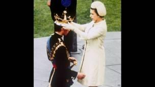 Елизавета II и принц Чарльз