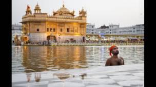 आत्मा की शुद्धी: अमृतसर स्वर्ण मंदिर