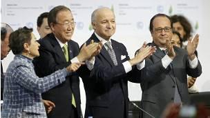 Francois Hollande y Ban Ki-moon celebran el acuerdo