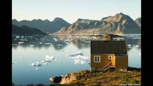abin at Kulusuk, east Greenland. Haukur Sigurdsson