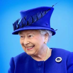 Sarauniya Elizabeth ta biyu, lokacin wata ziyara Prince Trust Center da ke Kennington, a London.