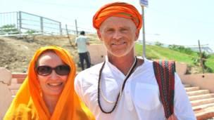 उज्जैन के कुंभ मेले में में विदेशी श्रद्धालु